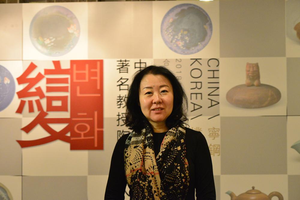 合璧兴千亿国际娱乐qy966艺术馆总经理--翁利女士.jpg
