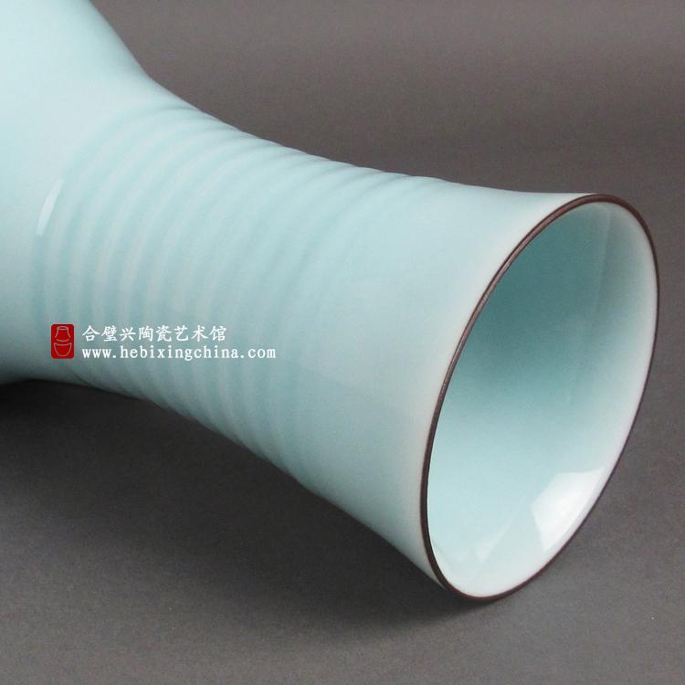 粉青旋纹瓶2.jpg