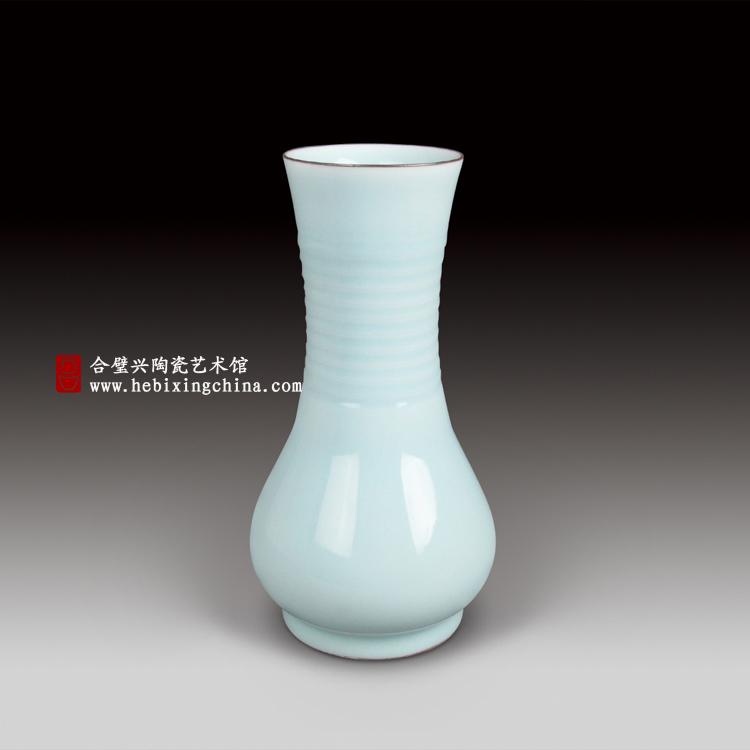 粉青旋纹瓶.jpg